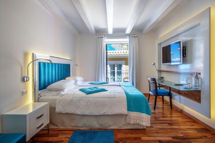 PICCOLO GRAND HOTEL - SUPERIOR ROOM
