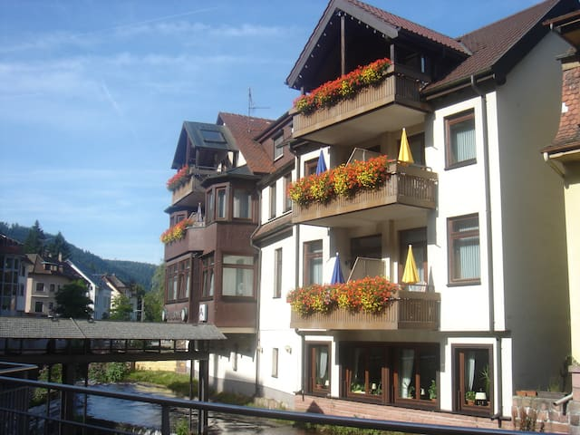 "Bed & Breakfast ""Sonne"" - Bad Wildbad - Bed & Breakfast"