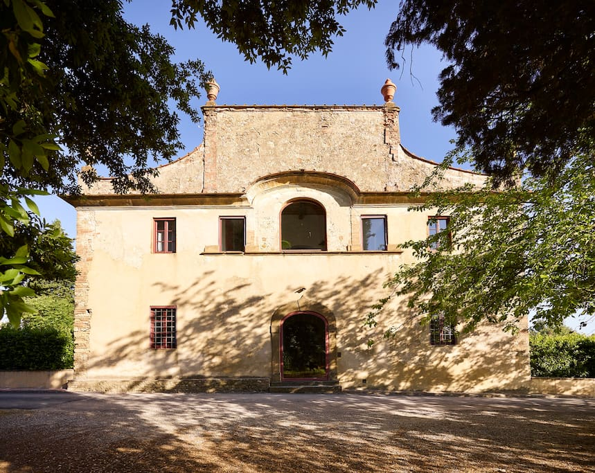vilal Castellare frontal view