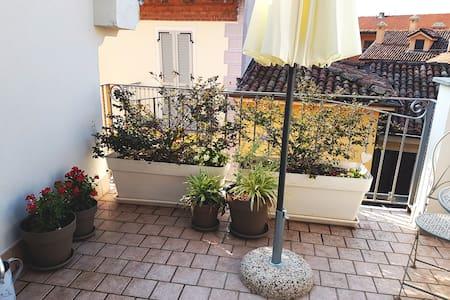 Casetta MIA Grazioso minialloggio sui tetti d'Alba