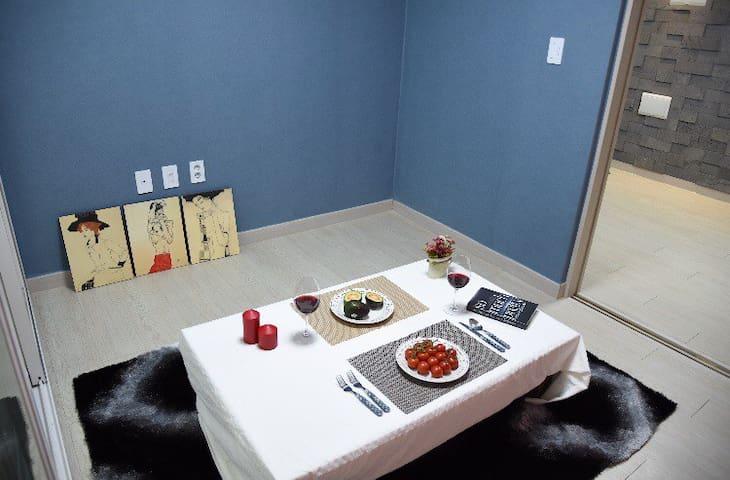 101호, 가족룸, 온돌 투룸, 을왕리 도보3분.