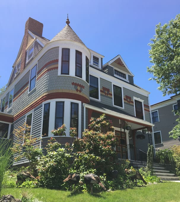 Experience An 1880s Victorian House Houses For Rent In Boston Massachusett