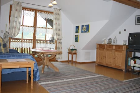 top roof apartment with sunny location & panorama - Beilngries