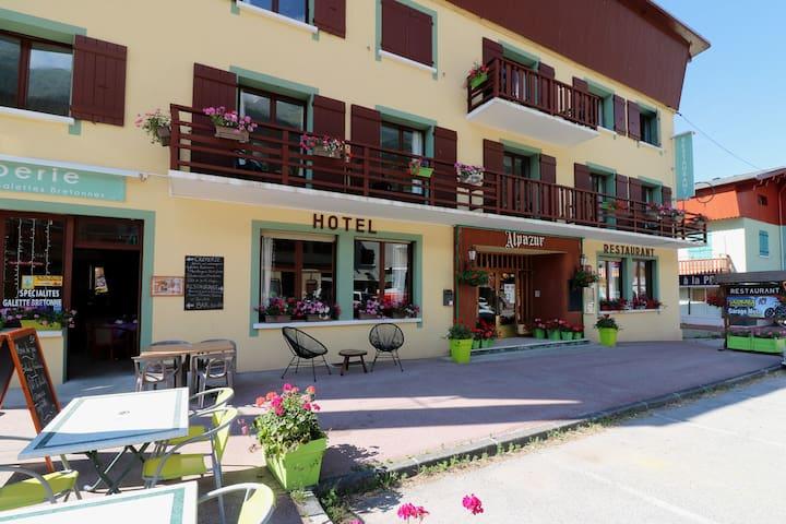 Chambre double hôtel Alpazur Val Cenis