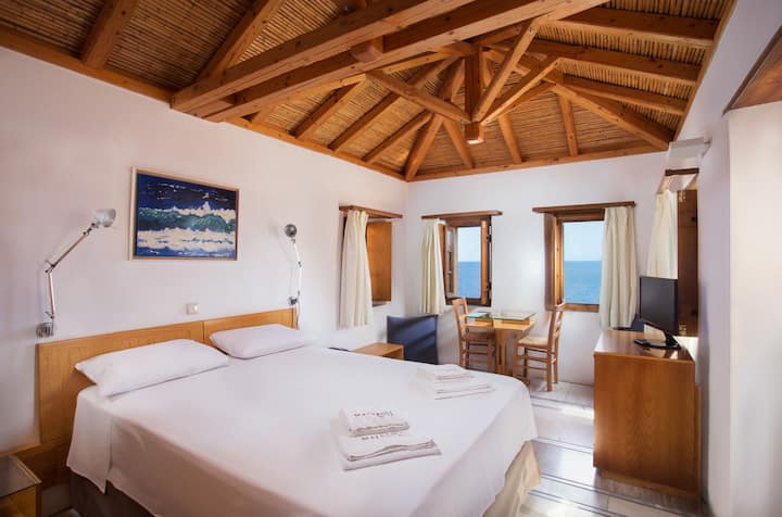 Superior Family Room With Balcony | Bastione Malvasia Hotel