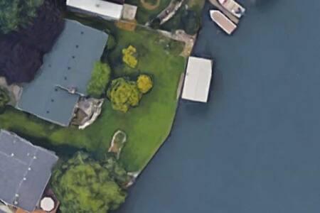 Cottage on Detroit river - Rockwood - Hus