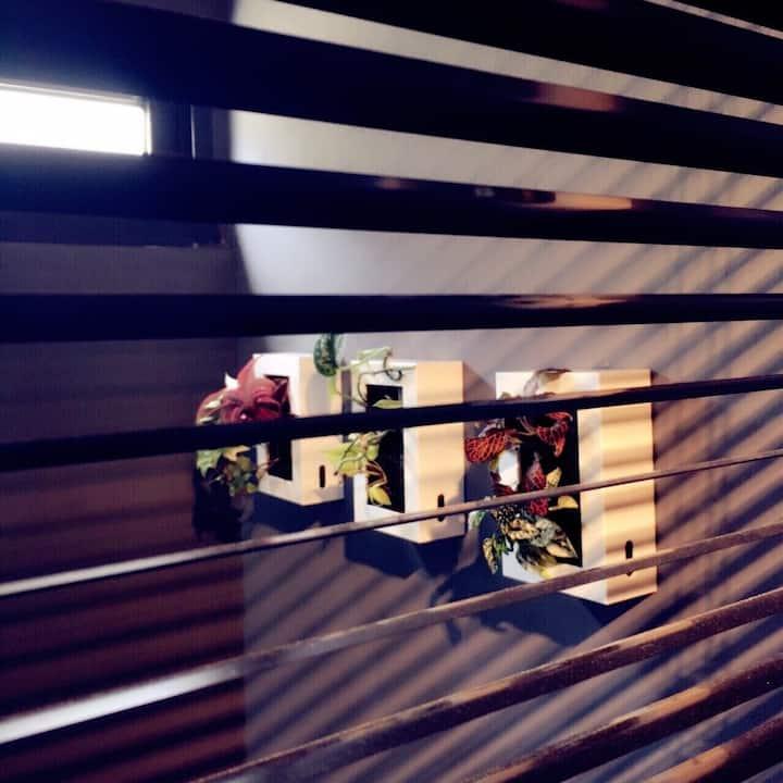 「Inner Place 隱人生活」輕工業風設計老屋 : 有小閣樓的背包空間_近國華/友愛街口(a)