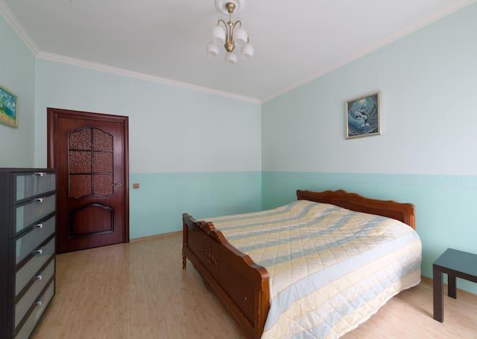 Спальня, large bedroom