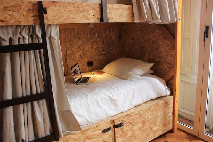 Dormitorio, con baño privado