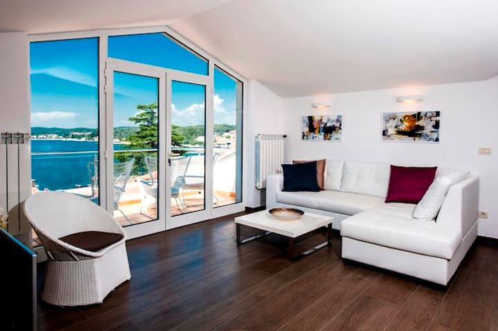 Corte dei merli suite with sea view - Rovinj - Apartamento
