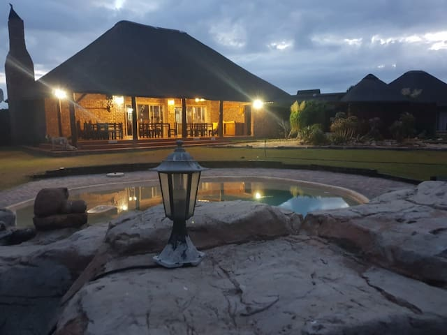 Charihandra Private Game Lodge (Impala chalet)