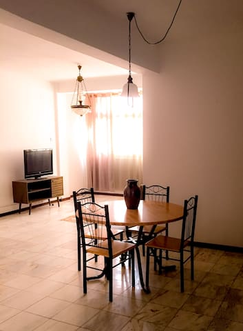 Fully equipped 3-bedroom Apt. in downtown Praia