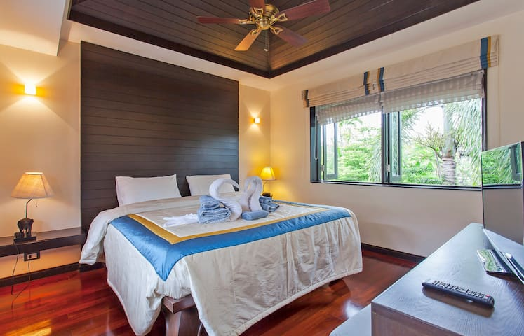 4 Bedroom Luxury Private Pool Villa, Phuket, Layan