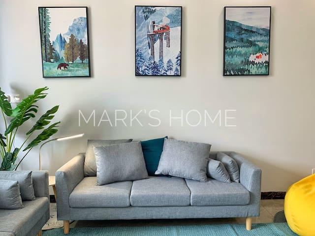 「Mark's Home」