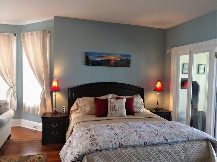 Master Suite - The Saltair Inn Waterfront Bed & Breakfast