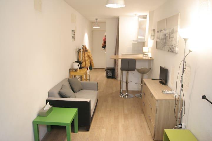 Studio cosy et lumineux pour couple - Vieux Port