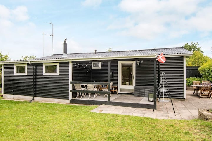 9 person holiday home in Allingåbro
