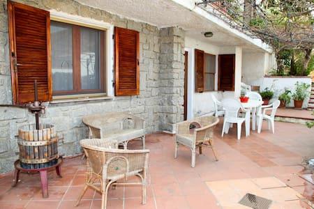Appartamento per 6 vicino Spiaggia di Budoni - Budoni - Pis