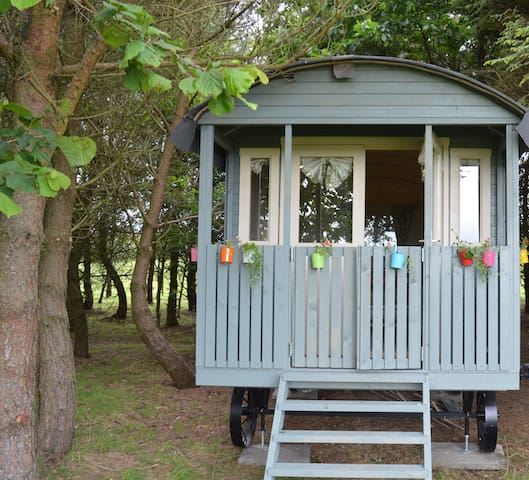 Idyllic Shepherds Hut