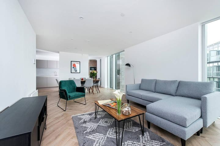 Gorgeous 3BR Apartment in the heart of Manchester