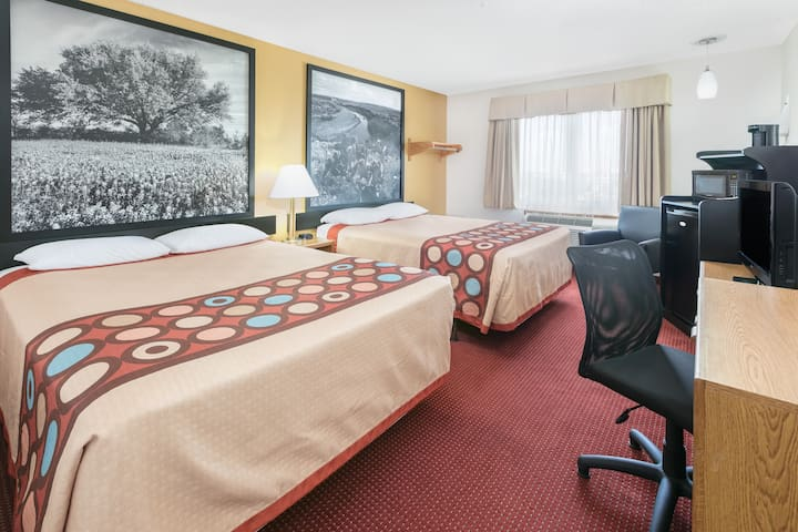 Clean Hotel Room near DFW Airport
