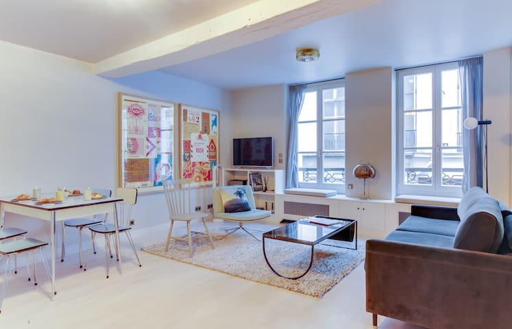 Design apartment in the heart of the Marais