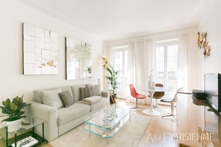 Canal St Martin Design Flat for 2 at Republique