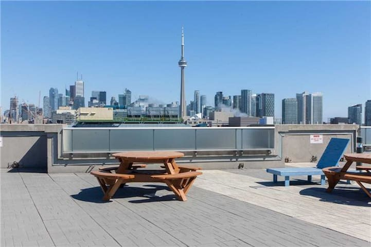 The Heart of King West Condo, Downtown Toronto