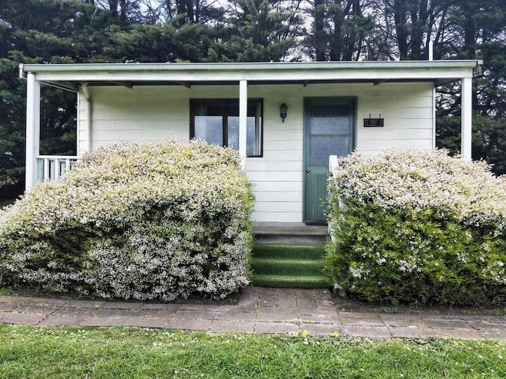 Twelve Apostles Motel Queen Bed S/C Cottage