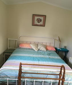 Charming granny flat in country garden