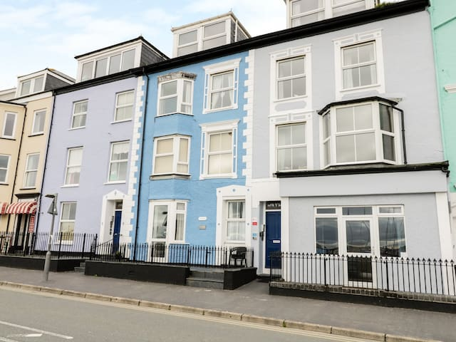 MIN Y MOR 1, pet friendly in Aberdovey, Ref 977867