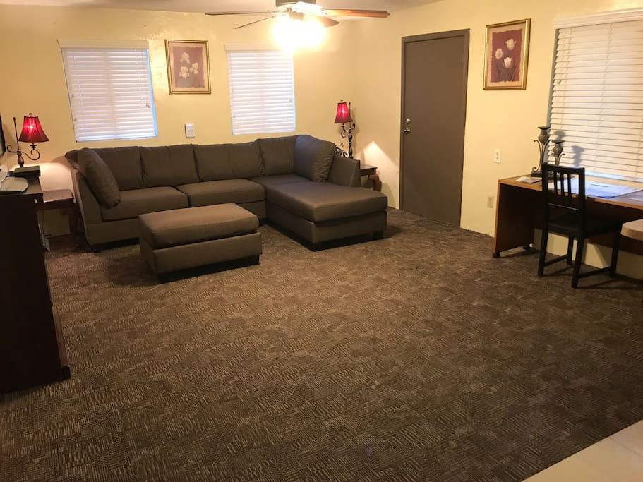 Living Roomy