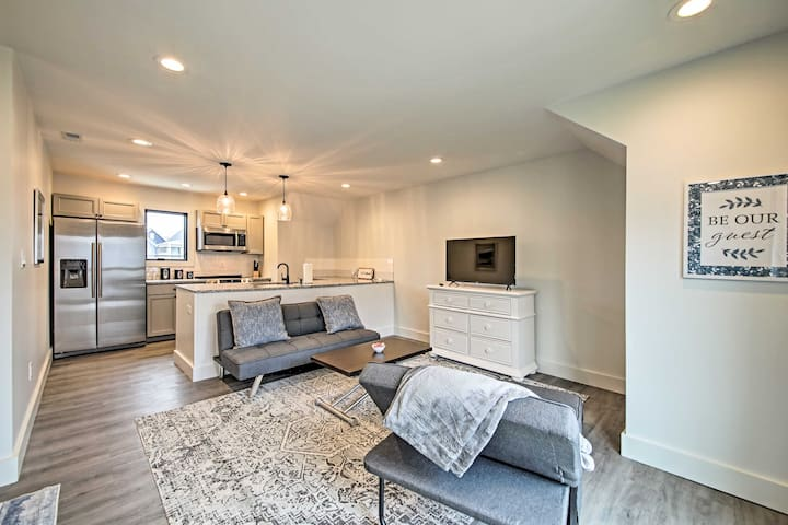 NEW! Modern Condo - 1.6 Miles to Downtown Indy!