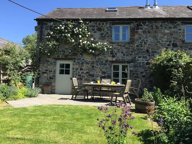 Butterdon-Dartmoor Cottage sleeps 5