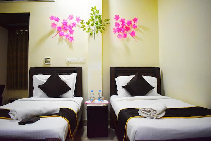 Budget Stay with Ac & WIFI(Daily| Weekly |Monthly)