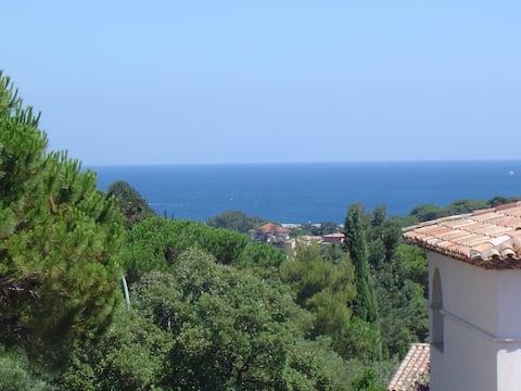 Magnifique studio. Vue mer - Golfe de Saint-Tropez