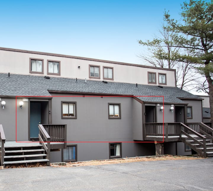 Neighboring Townhouses: Great for Very Big Groups