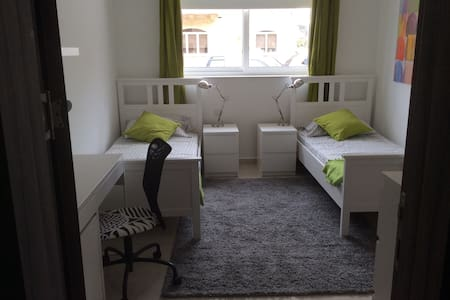 Bright new room near University and San Gwann - Apartment