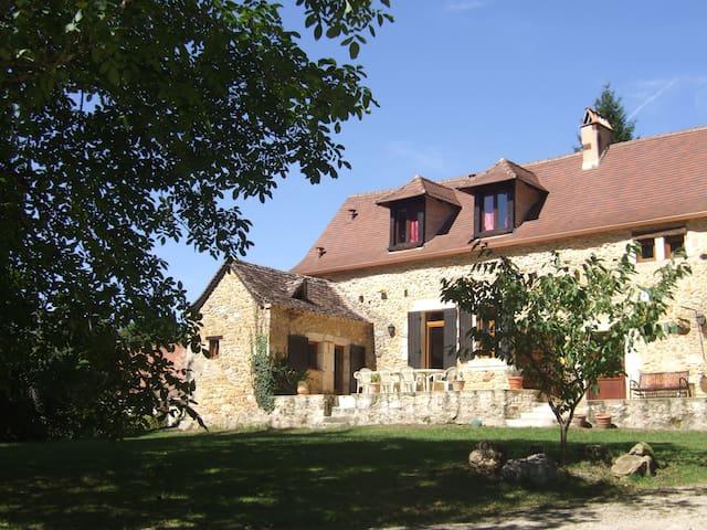 Maison typique du Périgord - Lembras - Casa