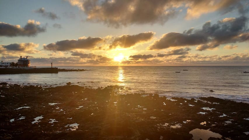 Apartamento en Arrieta primera línea de mar - Las Palmas - Huoneisto