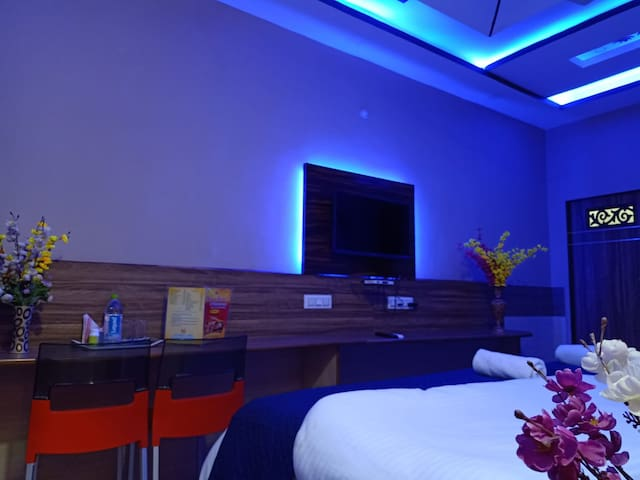Luxury Beddings, Clean and Hygienic environment, delicious food, 24/7 room service