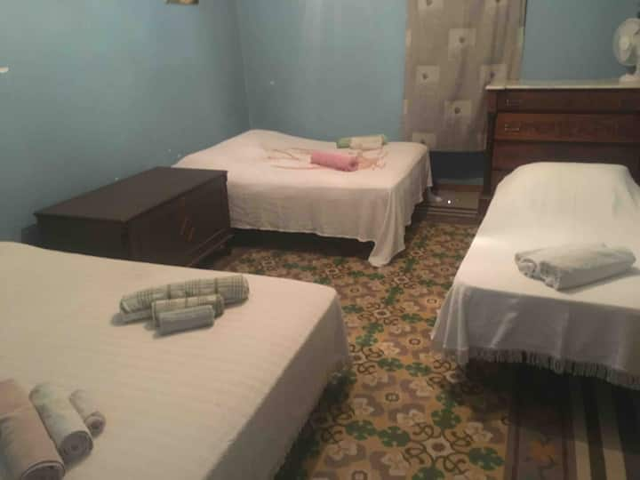 Private Room for 4 (10 mins from Lanciano)