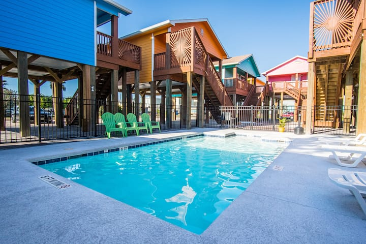 Anchor Court Cottage: Pool, Boat Parking, Pet Friendly, Free Golf Cart