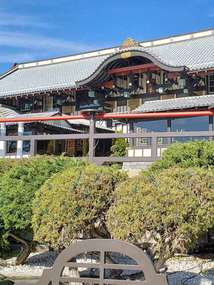 Explore the Yamashiro Gardens