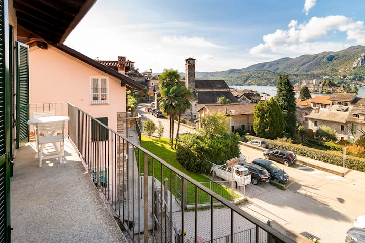 IL LAGO Orta Lake flat with stunning view