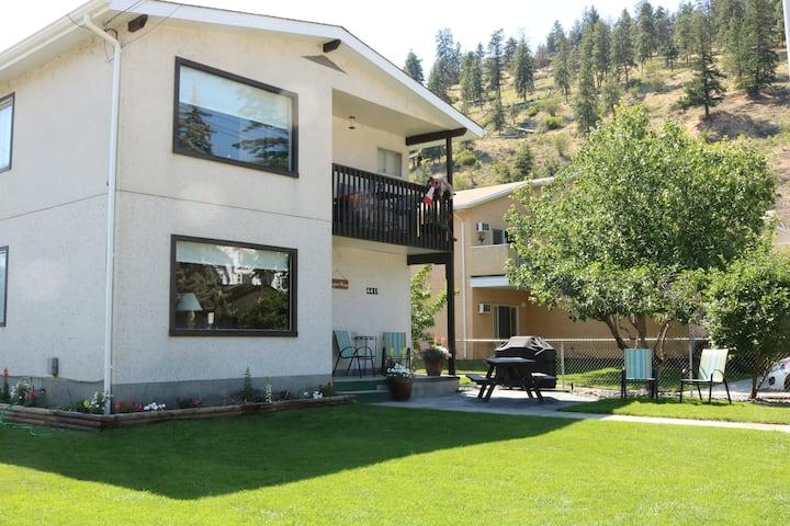 Mustard House - WINTER RATES $128-158 per night
