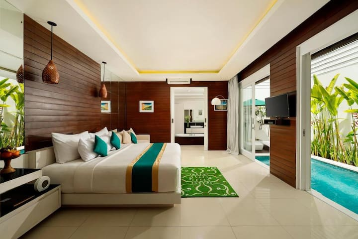 Honeymoon Villa at seminyak, prime location