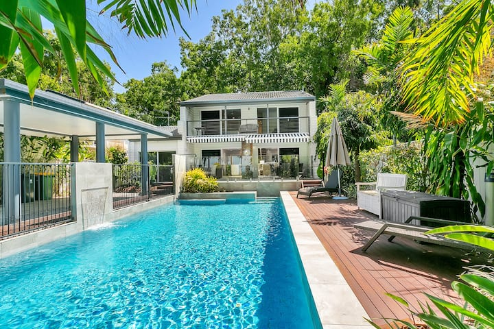 Ocean Blue Beachfront House