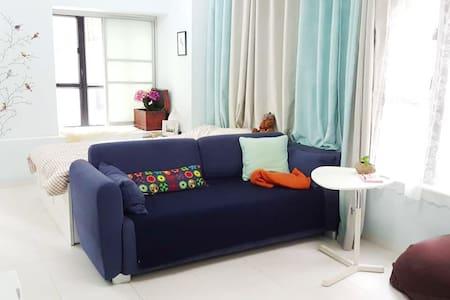 Spacious, Cozy APT in Wanchai 湾仔