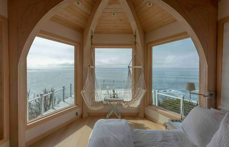 Coastal Retreat on The Peninsula